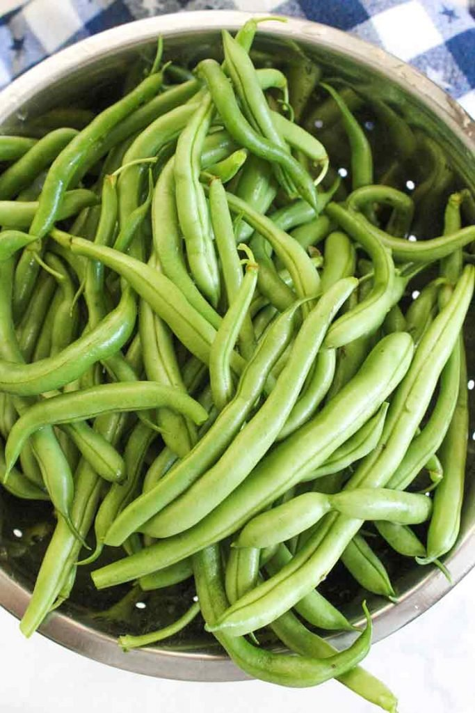 fresh garden picked green beans