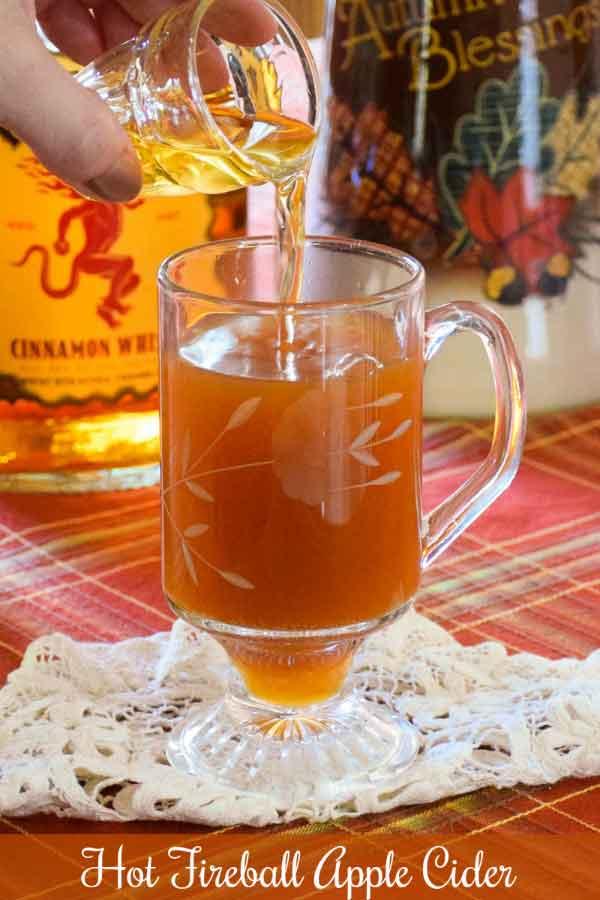 Apple Dutch Baby (Low Carb Paleo recipe) - Honeybunch Hunts