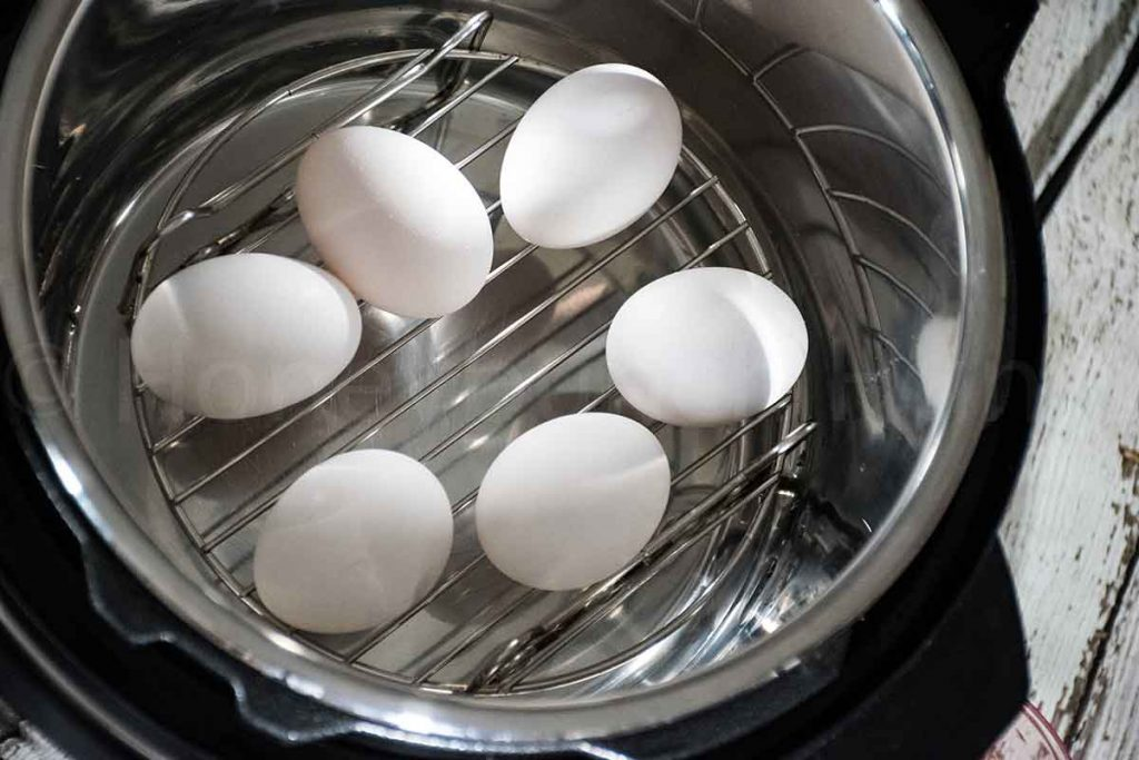 Eggs on a rack in the Instant Pot