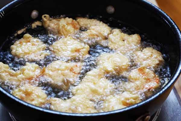 shrimp frying in hot oil